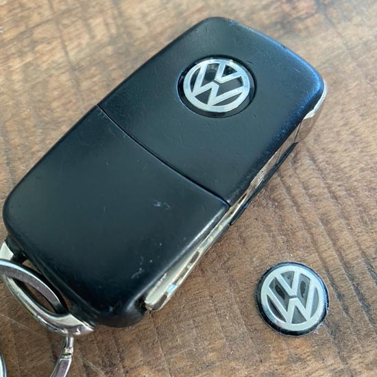 Aluminium 14mm Volkswagen VW sleutelsticker zwart