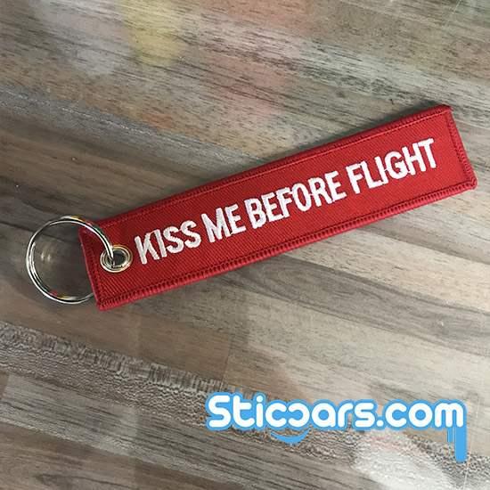 kiss me before flight transporter sleutelhanger