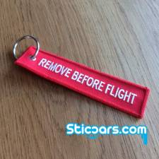 105 remove before flight sleutelhanger 12x3 cm